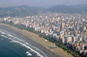 Vista aérea da orla da praia de Santos